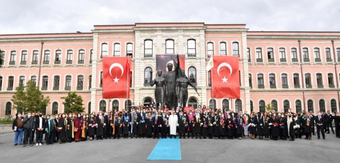 29 Ekim Cumhuriyet Bayramı Töreni İÜ Rektörlük bahçesinde gerçekleştirildi
